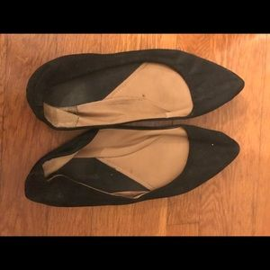 Black flats call it spring BRAND. Used